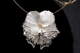 hibiszkusz medál pillangóval argentium ezüst