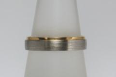 Karikagyűrű platina és 18k arany, lépcsős