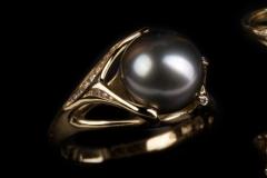 tahiti gyöngyös gyűrű 18k arany, gyémántok (brillek)